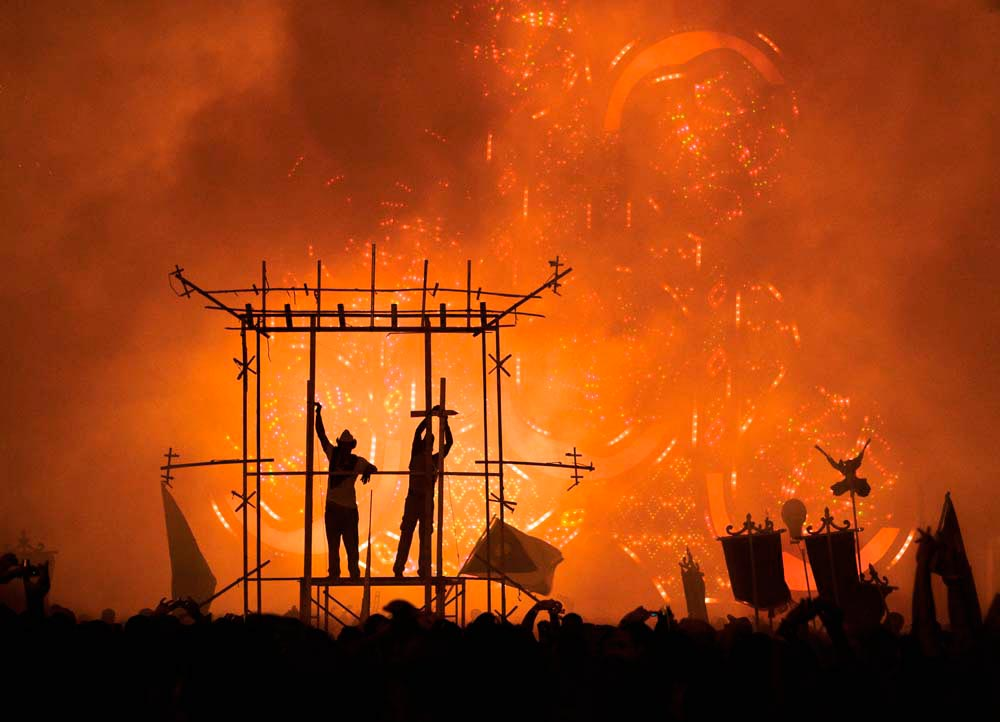 The celebration of Las Parrandas de Remedios nears its dramatic climax. Photo by Stephen Smith/Alamy Stock Photo