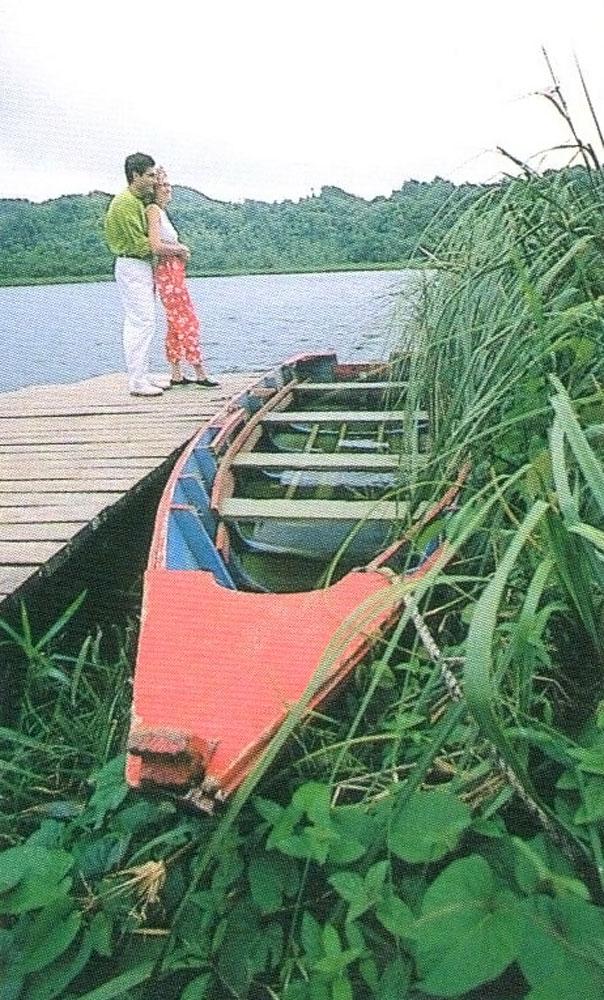 Grand Étang Lake. Photograph courtesy Grenada Board of Tourism