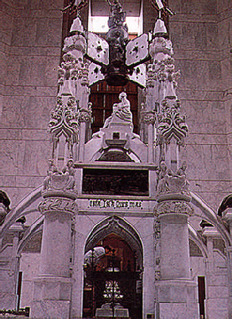 Columbus's ornate tomb has been moved, stone by stone, from the cathedral in Santo Domingo to the Memorial Lighthouse