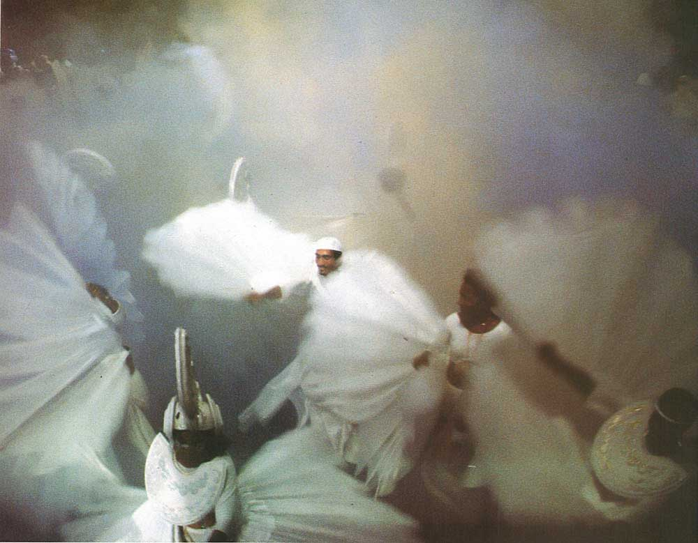 Wings of Peace: doves from the Lords of Light, part of the band Golden Calabash (1985). Photograph by Roy Boyke