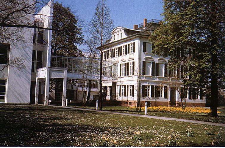 The museum für Kunstandwerk. Photograph by Gundhard Marth