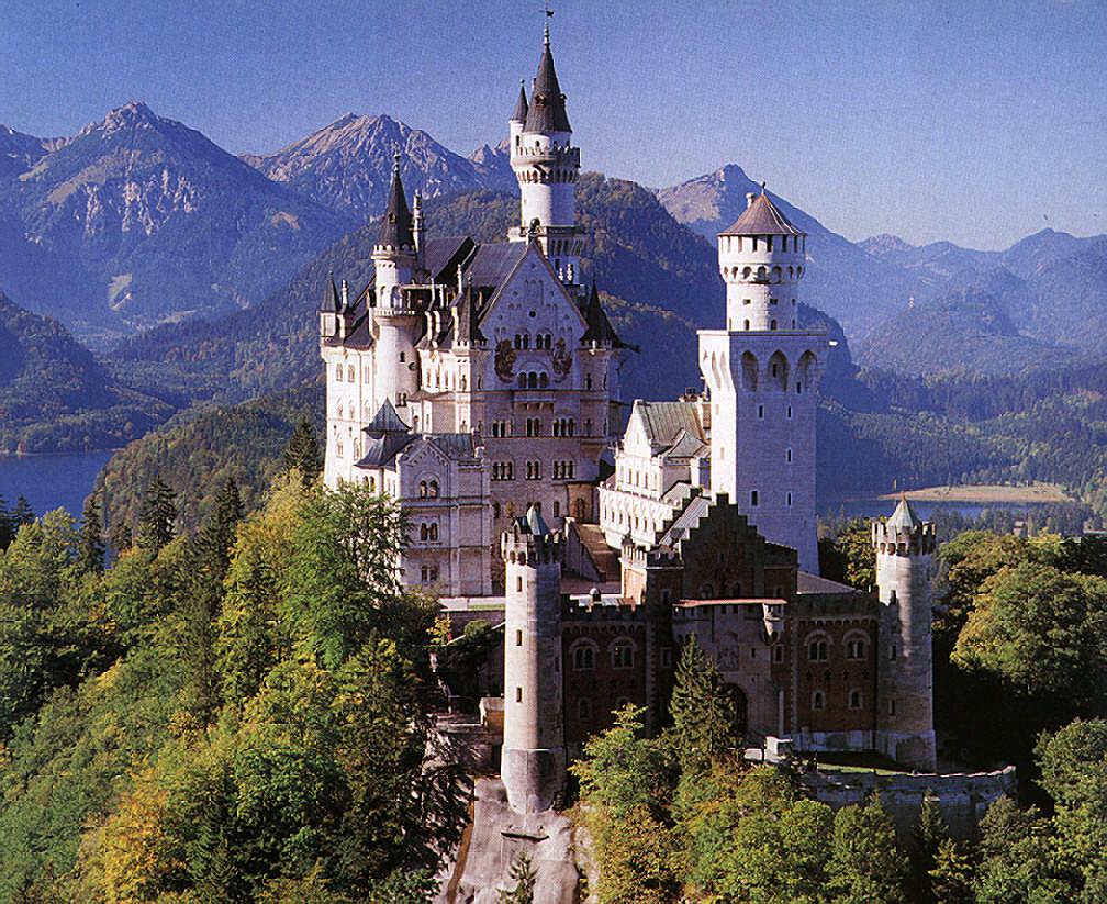 Neuschwanstein Castle in Bavaria. Photograph by Edmund Nägele Frps