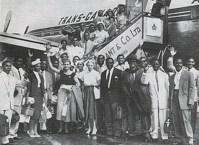 The Little Carib Company en route to the Stratford Shakespearean Festival in Ontario, Canada – 1958. Photograph courtesy Beryl McBurnie