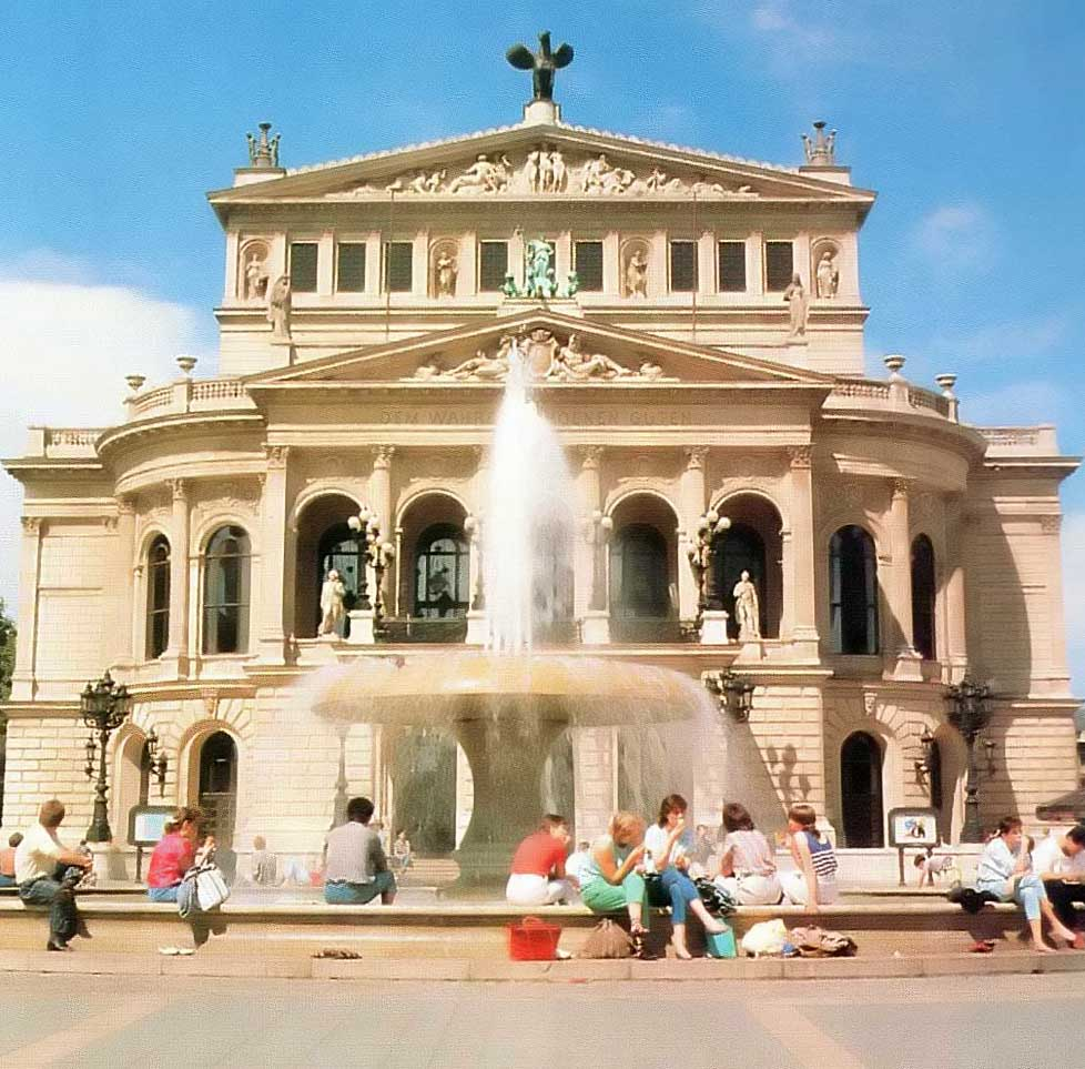 The old opera building, Frankfurt. Photograph by Gundhard Marth