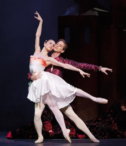 Marianel Nunez and Nehemiah Kish perform in The Prince of the Pagodas at the Royal Opera House. Photograph by Johan Persson, and courtesy of The Royal Opera House