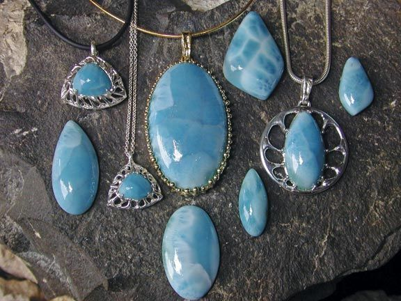 Cut and polished larimar in Smit's distinctive organic settings. Photograph courtesy the Goldsmitty