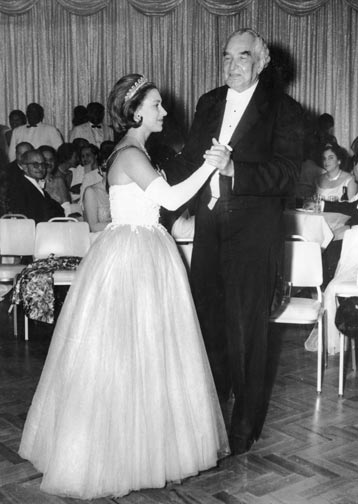 Princess Margaret (1930-2002) dancing with Sir Alexander Bustamante (1884-1977), Jamaica, 1962. Photograph by © Keystone Archives / Heritage-Images