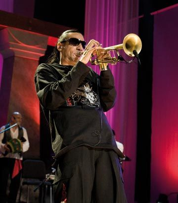 Brownman is a guest soloist in the filming of a 2008 PBS special, Mediterranean Nights. Photograph courtesy Brownman Music Inc/Bruce Giffin