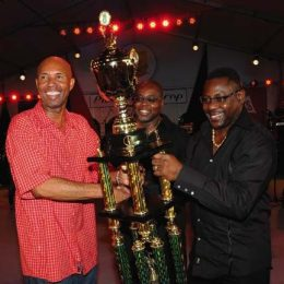 2009 Pic-o-de-Crop winner, Red Plastic Bag (left). Photograph courtesy Barbados Tourism Authority