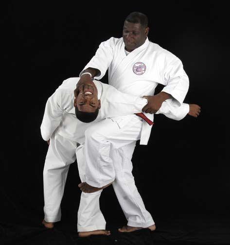 Professor Don Jacob demonstrates his Don Jitsu-Ryu system. Photograph courtesy Don Jacob