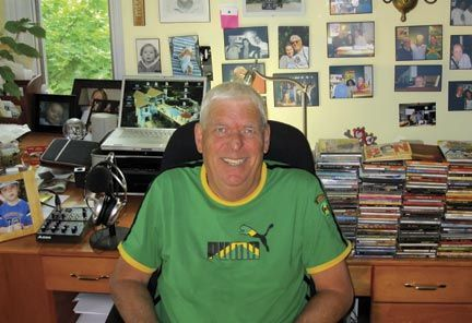 Angus Mackay in his studio. Photograph courtesy Angus Mackay