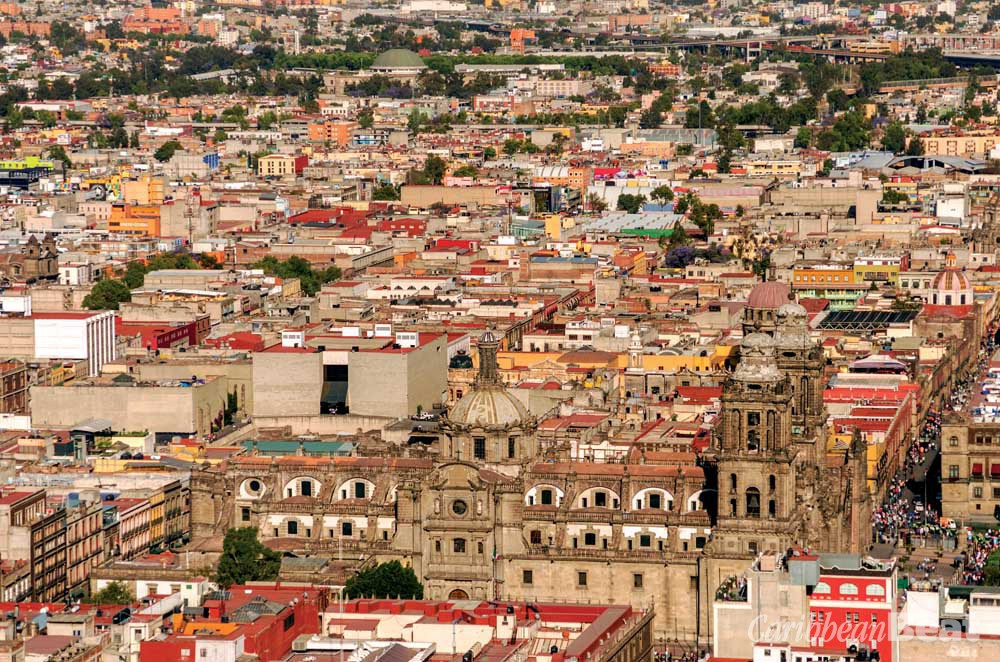 Looking across the colonial centre from the Torre Latinoamericana. Photograph ©DC_Colombia/iStock.com