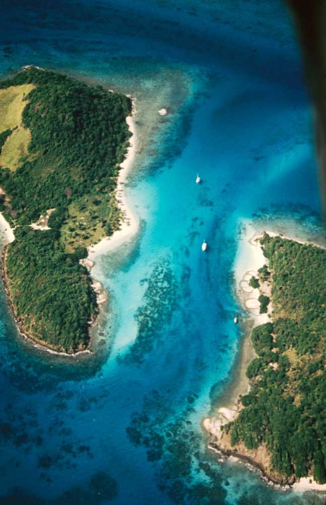 The Tobago Cays: Petit Bateau (left) and Petit Rameau (right). Photograph by Chris Huxley