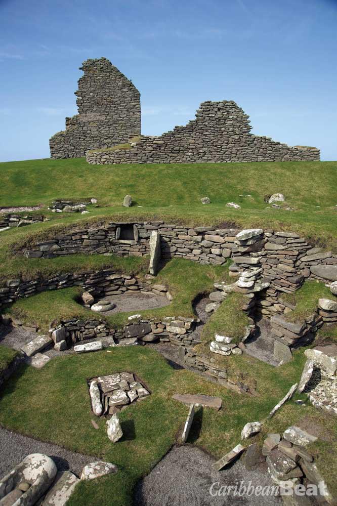 The archaeological site at Jarlshof. Photograph © Crown Copyright reproduced courtesy of Historic Scotland. www.historicscotlandimages.gov.uk