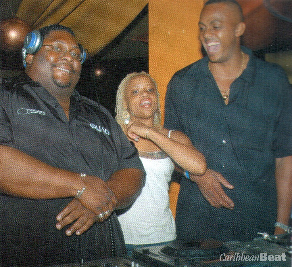 DJ Boyd with Candice Buchanan and Courtney Walsh. Photograph courtesy Nokia