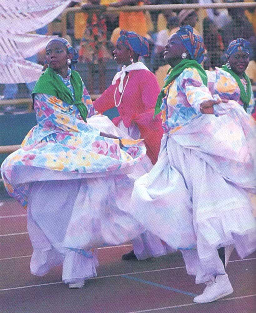 Hundreds of traditional dancers entertained the huge crowd at the gala opening. Photograph by Harold Prieto