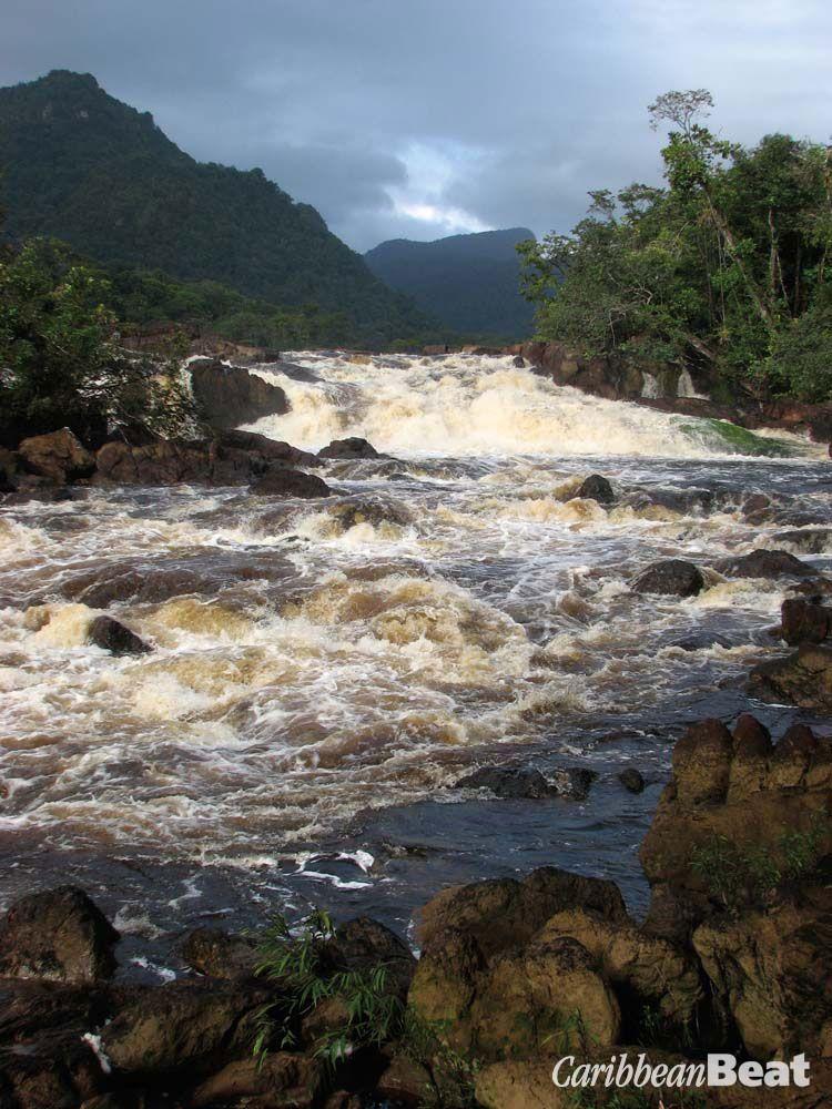 Amatuk Falls, downriver from Kaieteur. Photograph by Nicholas Laughlin
