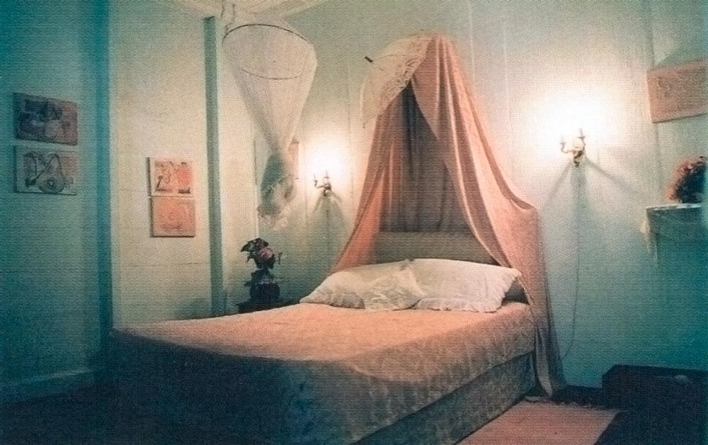 One of the bedrooms at Balenbouche. Photograph by Andrea De Silva