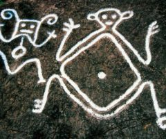 A75T6X Taino Indian petroglyphs on basalt rock on the Caribbean island of St. Kitts