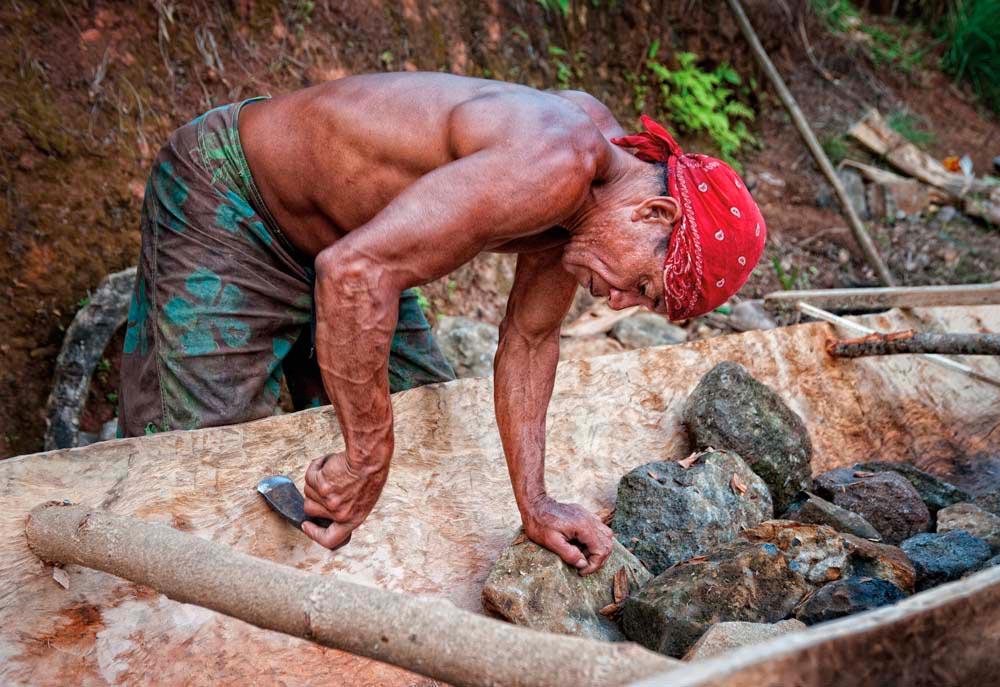 Carib Territory, Dominica. Photo by Derek Galon / artphotographyservices.com