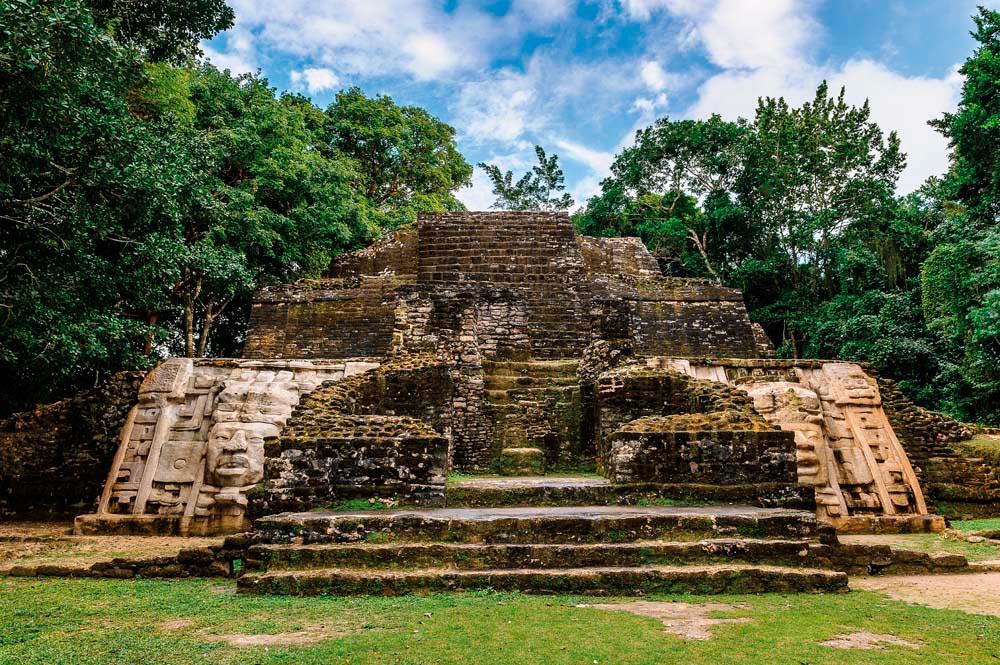 Caracol, Belize. Anton Ivanov / Shutterstock.com