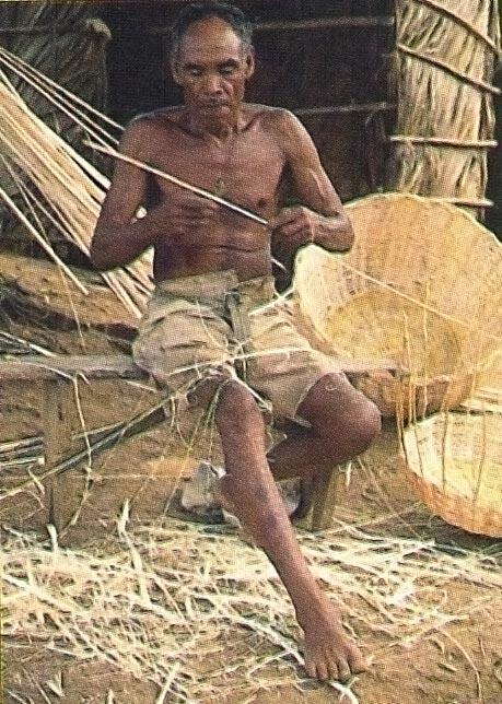 Carib man weaving. Photograph by Clem Johnson/ Freestyle