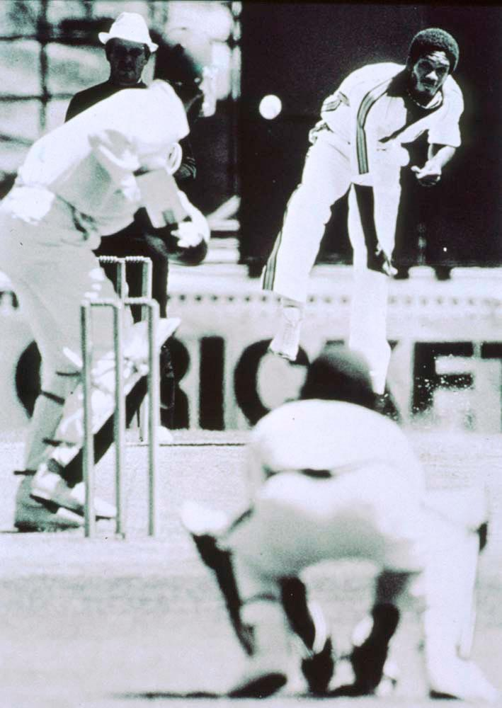"""Air Holding: Mike Brearley gets a taste of """"Whispering Death"""" (Sydney, 1975). Photograph by Adrian Murrell/Allsport"""