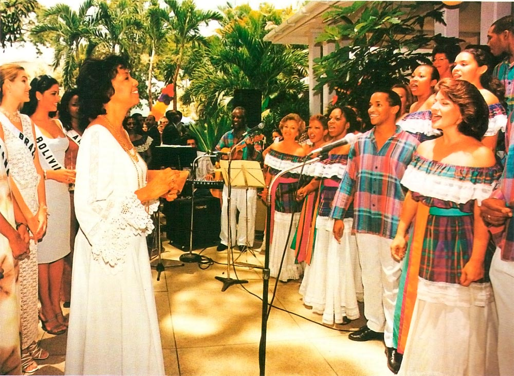 The Marionettes Chorale, under the direction of Gretta Taylor, sings for the 1999 Miss Universe delegates. Photograph by W. Garth Murrell (PIPS)