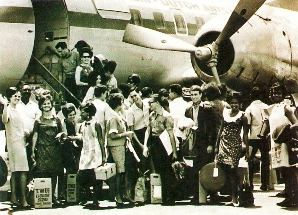 The Marionettes Chorale begins its tour to the USA, Canada and the Caribbean in 1967. Photograph courtesy The Marionettes Chorale