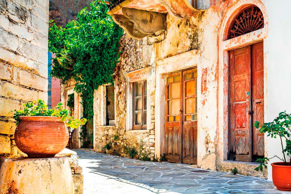 A quiet street in Chalki. Photo by Leoks/Shutterstock.com