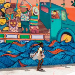Street mural in Miami's Wynwood neighbourhood, home to galleries and design studios. © iStock.com/Brians101