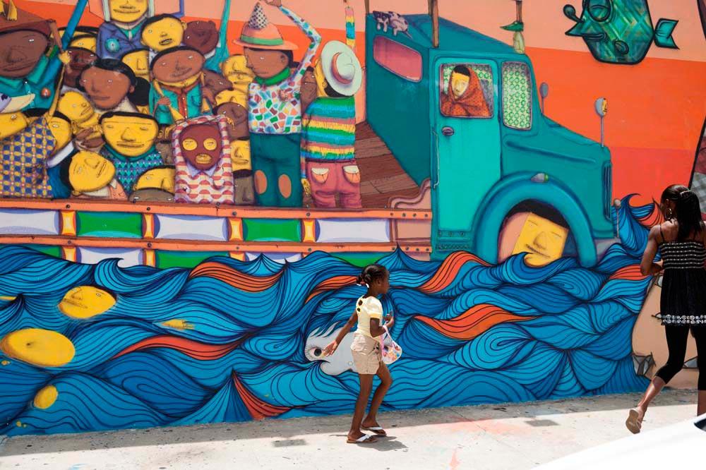 Street mural in Miami's Wynwood neighbourhood, home to galleries and design studios. © iStock.com/Brians101