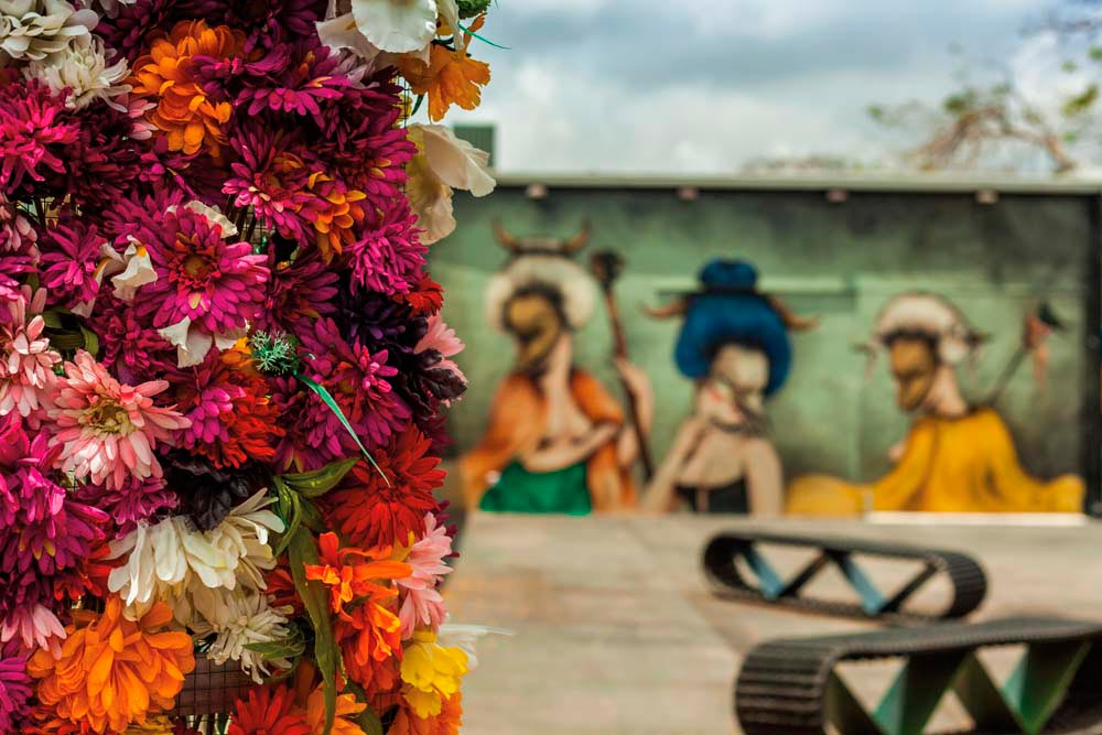 Glimpse into a courtyard in the Wynwood Art District. Photo by Susana Valera/Shutterstock.com