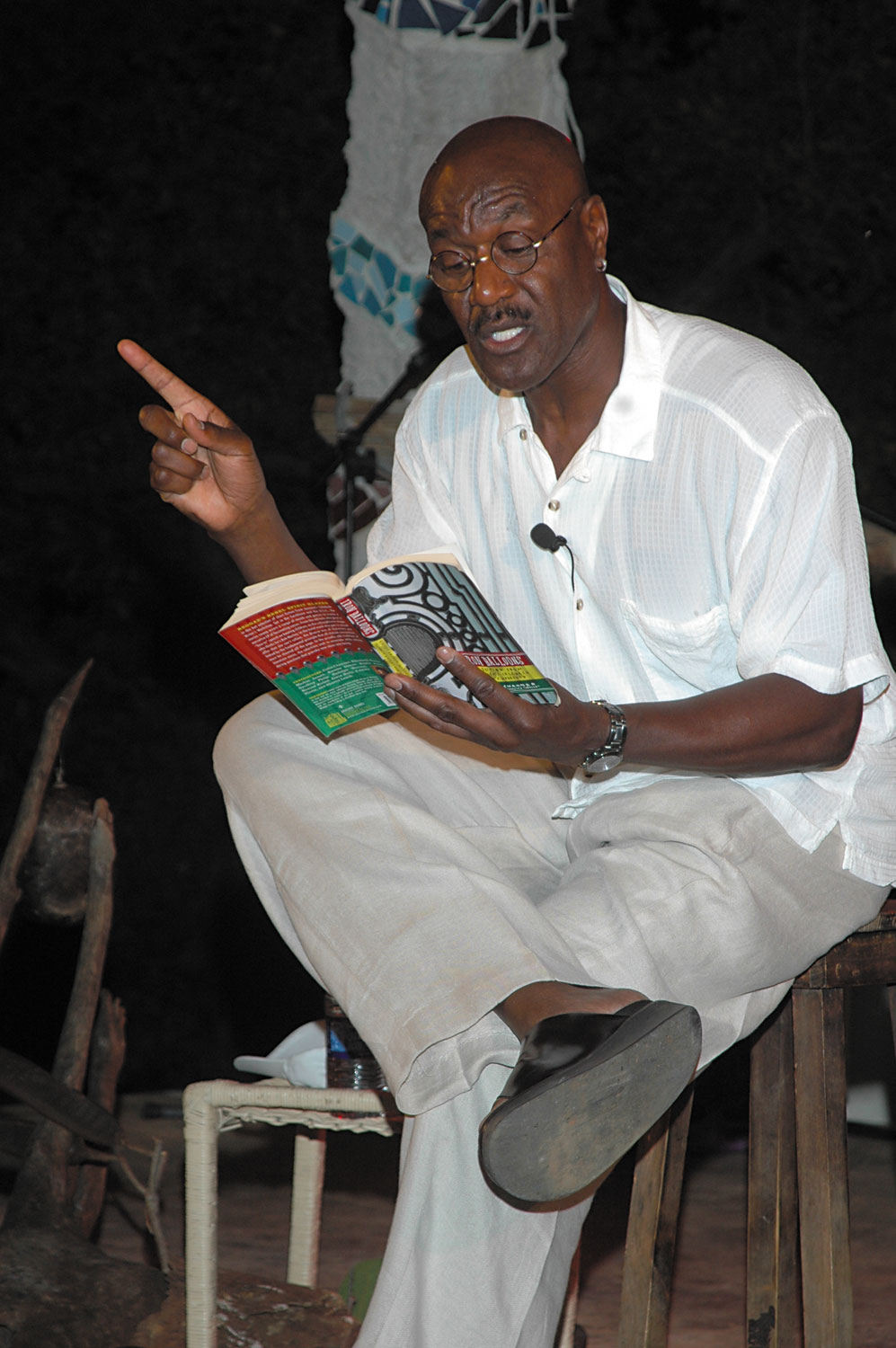Actor Delroy Lindo reads from Colin Channer's short story How to Beat a Child the Right and Proper Way at Calabash 2006. Photograph courtesy the Calabash International Literary Festival