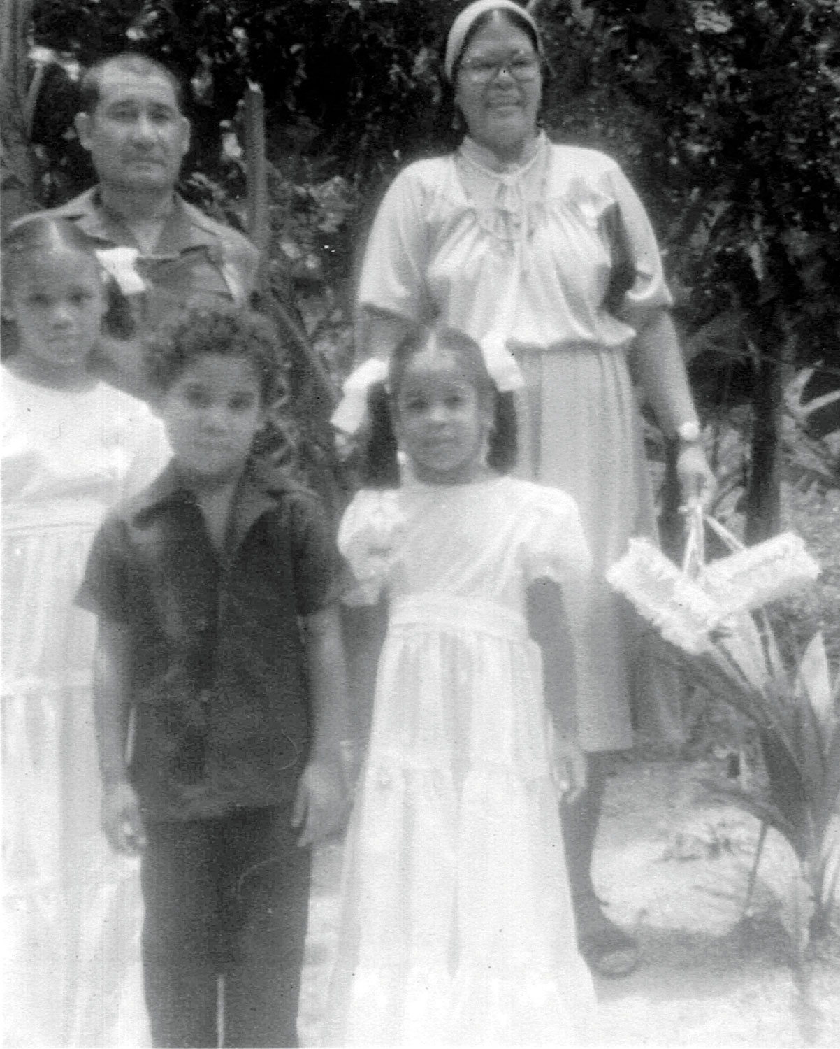 Bertie and Valentina Medina pose with Helen, Kino and Tracy before joining the parade (1979). Photograph courtesy Tracy Assing